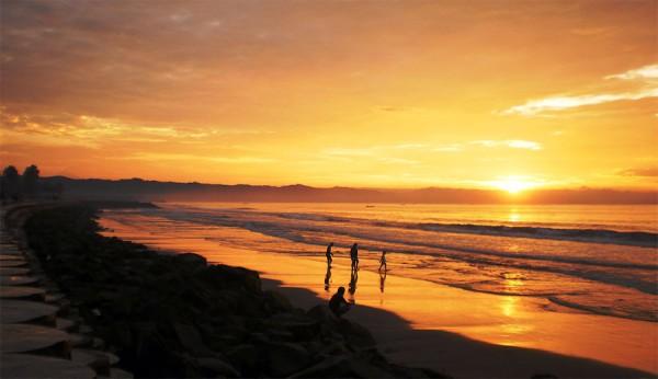 tempat wisata pantai di Jawa Barat