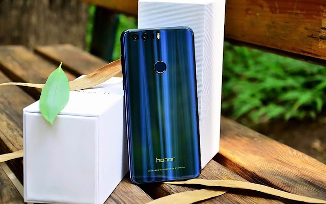 4 місце Huawei Honor 8 32Gb RAM 4Gb