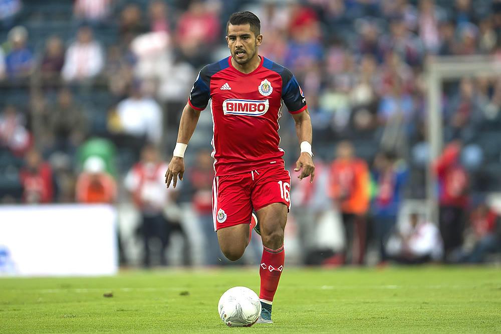 El lateral izquierdo, Miguel Ponce.