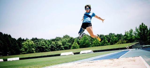 Kaede Maegawa compite en salto de longitud durante los Juegos Paralímpicos de Tokio.Kaede Maegawa