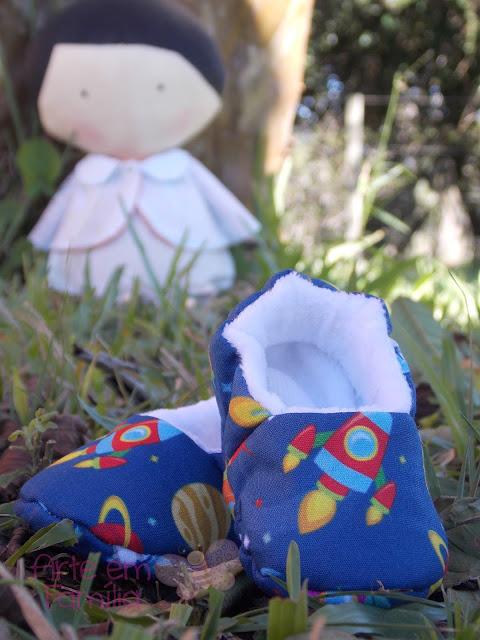 sapatinhos de bebê em tecido de algodão com plush e elástico