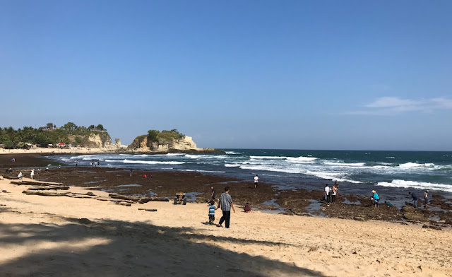 cerita bahasa arab tentang liburan di pantai