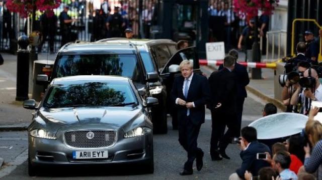 PM Inggris Dilarikan ke RS Usai Kondisinya Tak Membaik Akibat Corona
