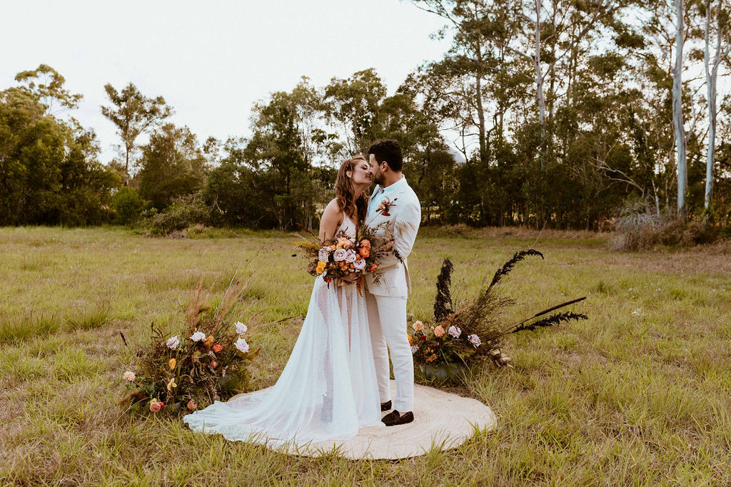 terri hanlon photography brisbane weddings floral design cakes music bridal gown groomsuit