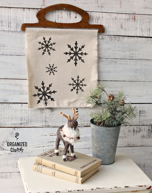 DIY Easy Snowflake Decor #oldsignstencils #stencil #snowflake #Christmasdecor #winterdecor