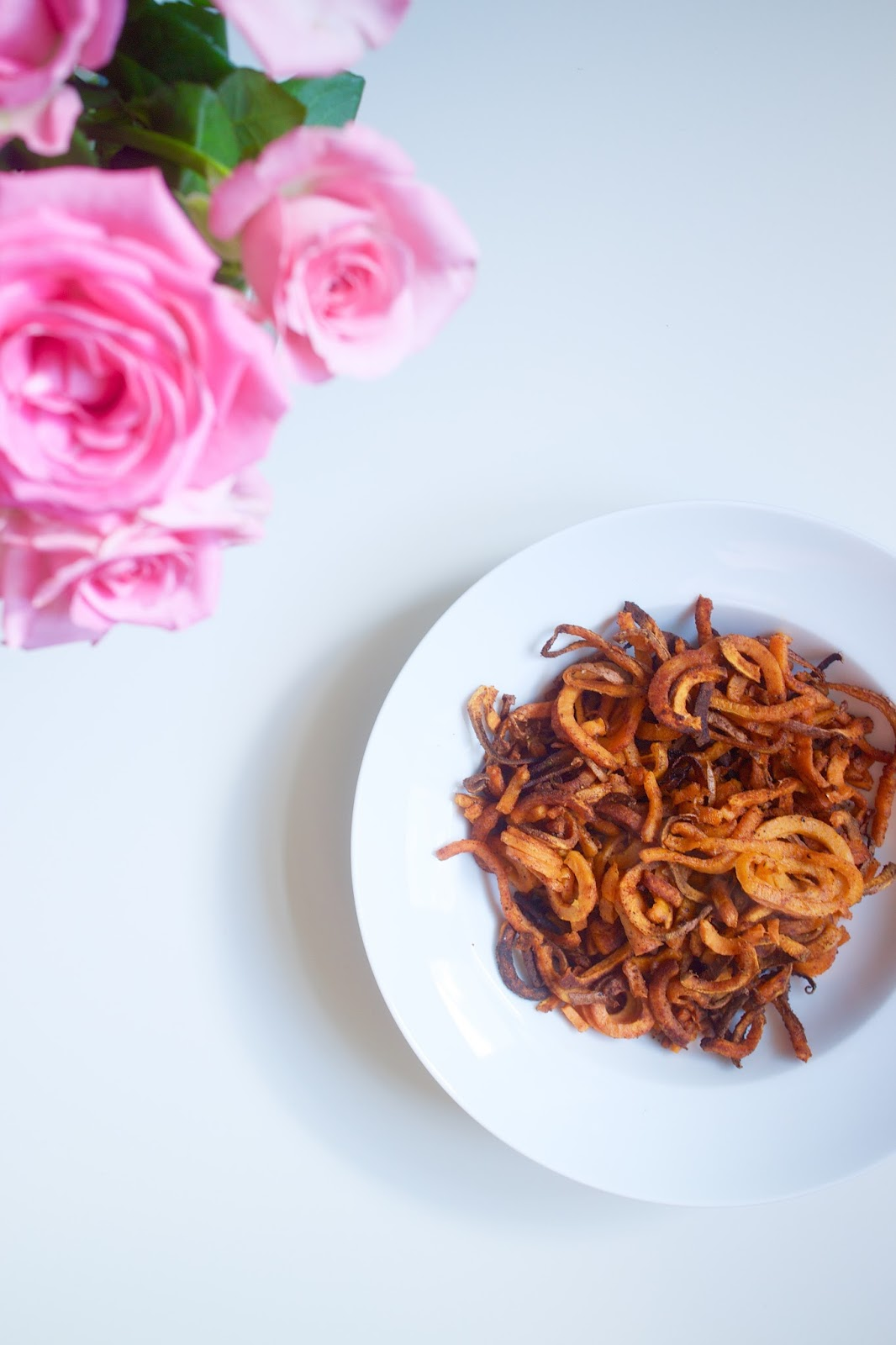 She's So Lucy shessolucy curly sweet potato fries matchstick spiraliser spiralizer sweet potato fries recipe homemade british health beauty blogger UK Bath low carb chips fries healthy chips