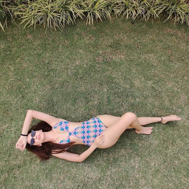 Bollywood Actress Eshanya Maheshwari Hot Bikini Pics Navel Queens