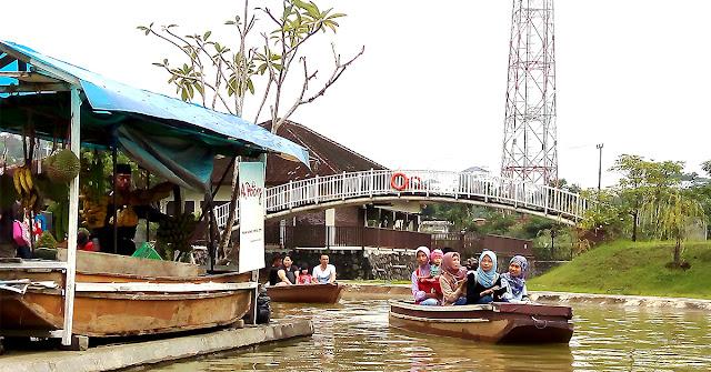 Pasar Ah Poong atau Apung di Sentul Bogor, Referensi Piknik Kuliner Asik