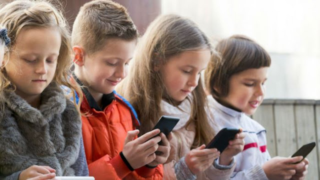 What's the right age for a child to have smartphone?
