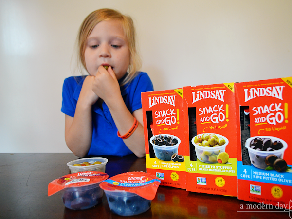 Find the Perfect After School Snack in Lindsay Snack and Go! Olives! #momsmeet