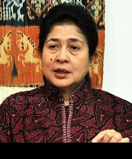 Gambar Menteri Kesehatan Nila F Moeloek