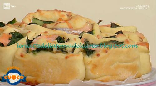 Girelle al salmone con bieta e scamorza affumicata ricetta Anna Maria Palma da Prova del Cuoco