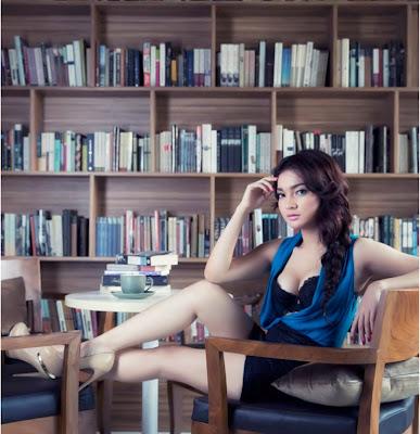 Foto Seksi Ayumi di Majalah Male