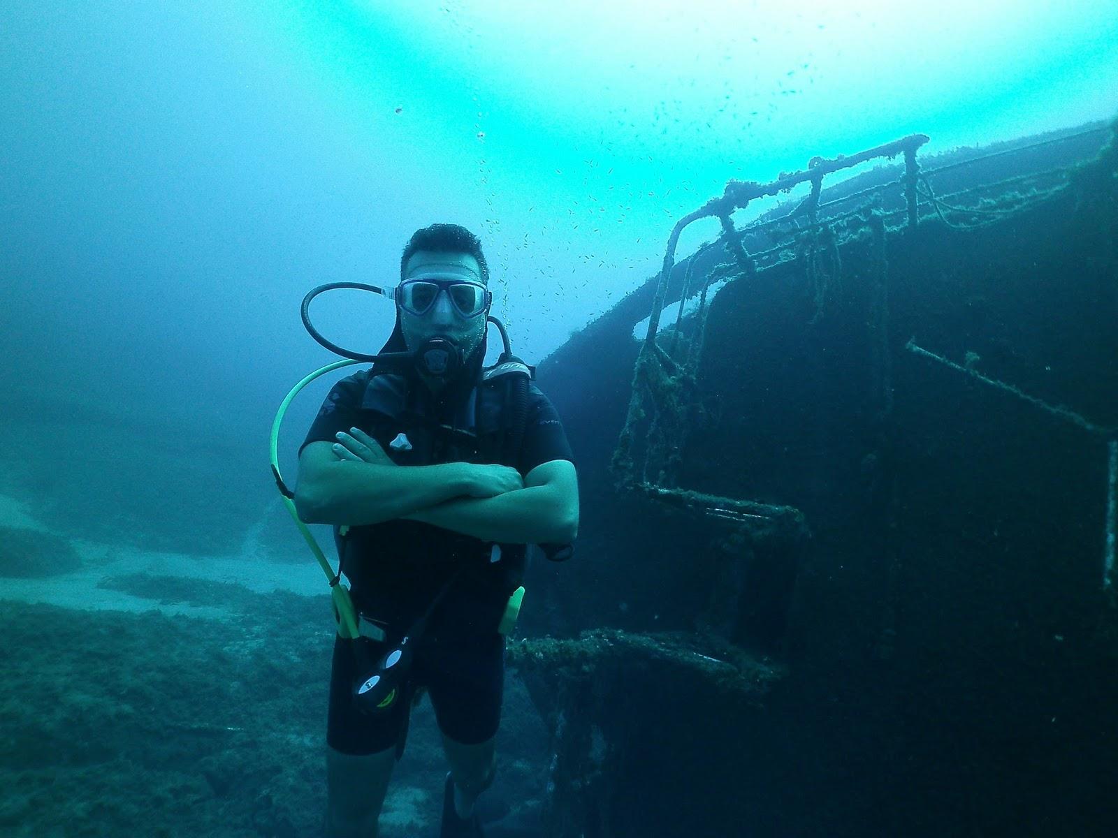 36ea83075f1 Τέλος, αν και τον περασμένο Οκτώβρη είχα την χαρά και την τύχη να πέσω σε  ένα ακόμη μεγαλύτερο ναυάγιο ανοιχτά στο Λευκαντί Ευβοίας, στο κομμένο