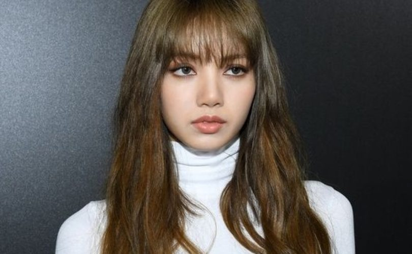 BLACKPINK's Lisa, 1 billion won