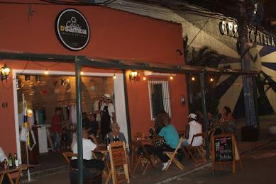 Feriado de samba, resistência e feijoada na Casa D'Samba