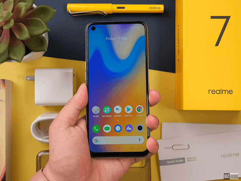 realme 7 screen with punch-hole