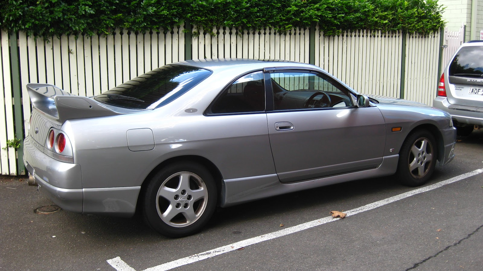 Aussie Old Parked Cars 1998 Nissan Skyline Gts 25t R33