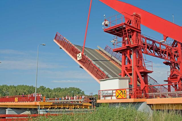 most zwodzony w Polsce, Dziwnów, konstrukcja