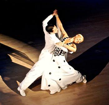 dance auf deutsch