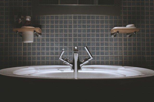 Comment rajeunir une salle de bain ?