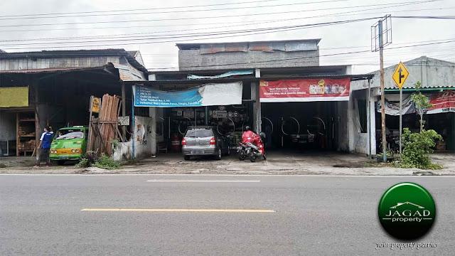 Toko tepi jalan Wonosari dalam Ringroad
