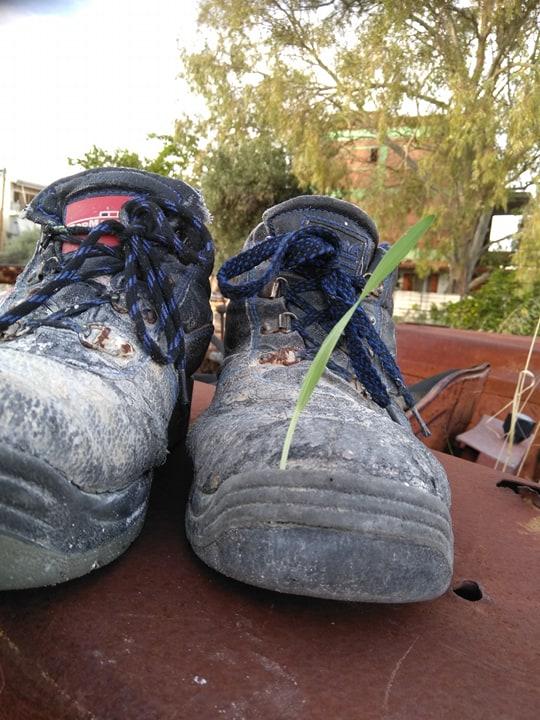 Παπούτσια σε χωράφι της Εύβοιας