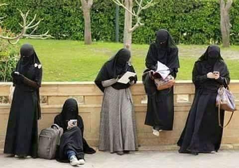 ساری عورتیں کا خیال رکھناچاہیئے۔
