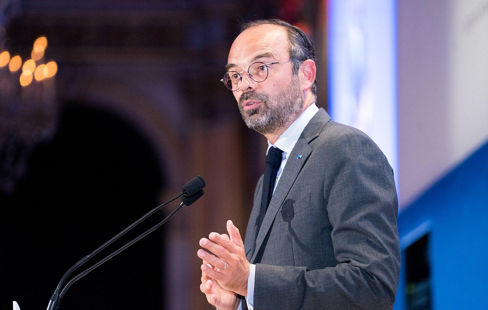 """La suppression de cette taxe, actuellement principale recette fiscale des communes, sera compensée """"à l'euro près"""", s'est engagé le gouvernement."""