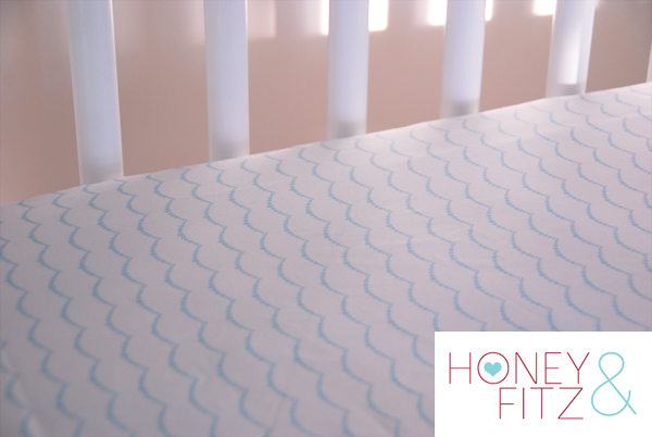 Someday Crafts: DIY Fitted Crib Sheet