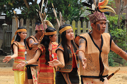 Mengapa Orang Kalimantan Begitu Menakutkan