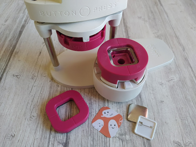 Adaptateur carré Button Press We R Memory Keepers