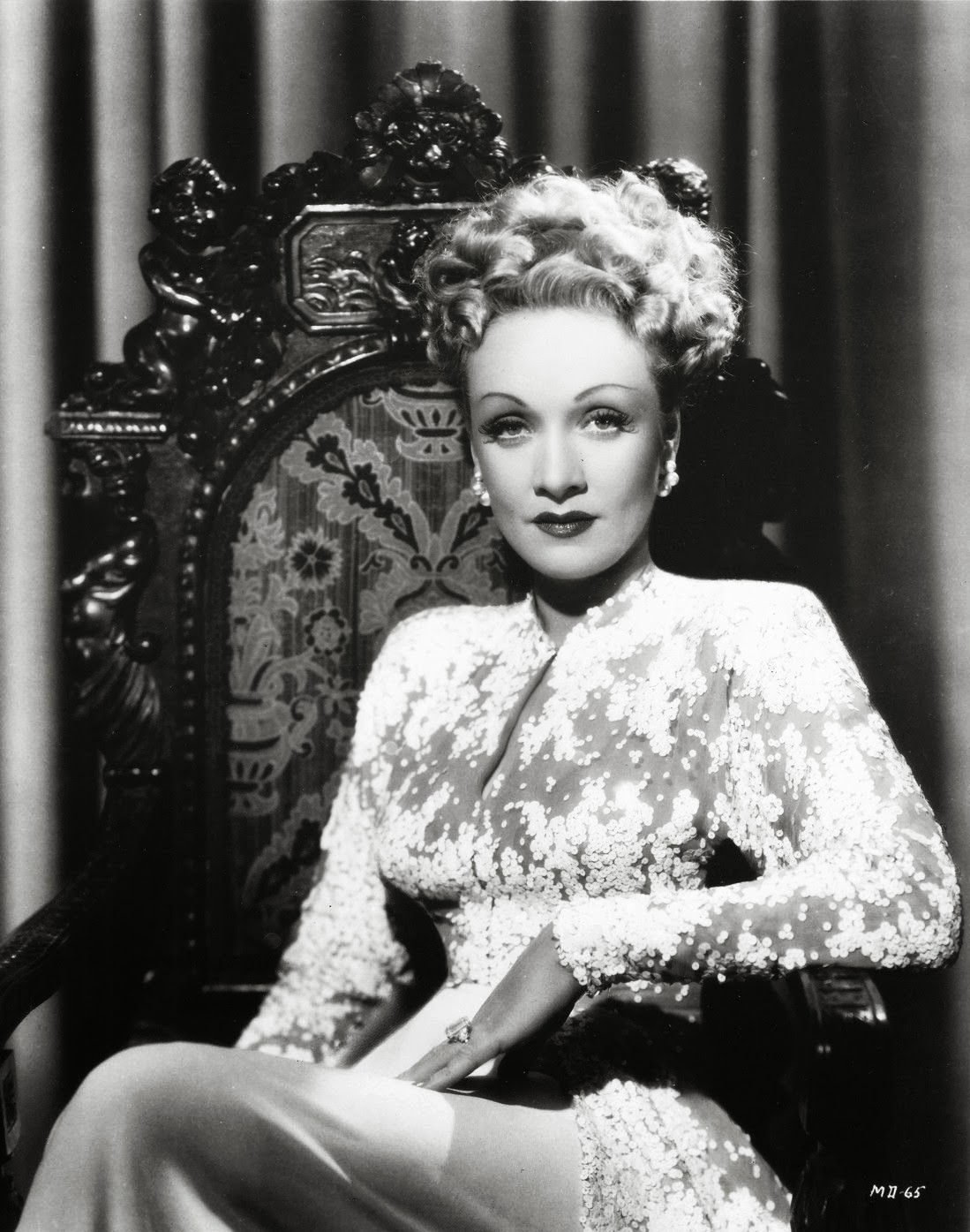 Marlene Dietrich Annex2: It's The Pictures That Got Small ...: THE THURSDAY GLAMOUR 15