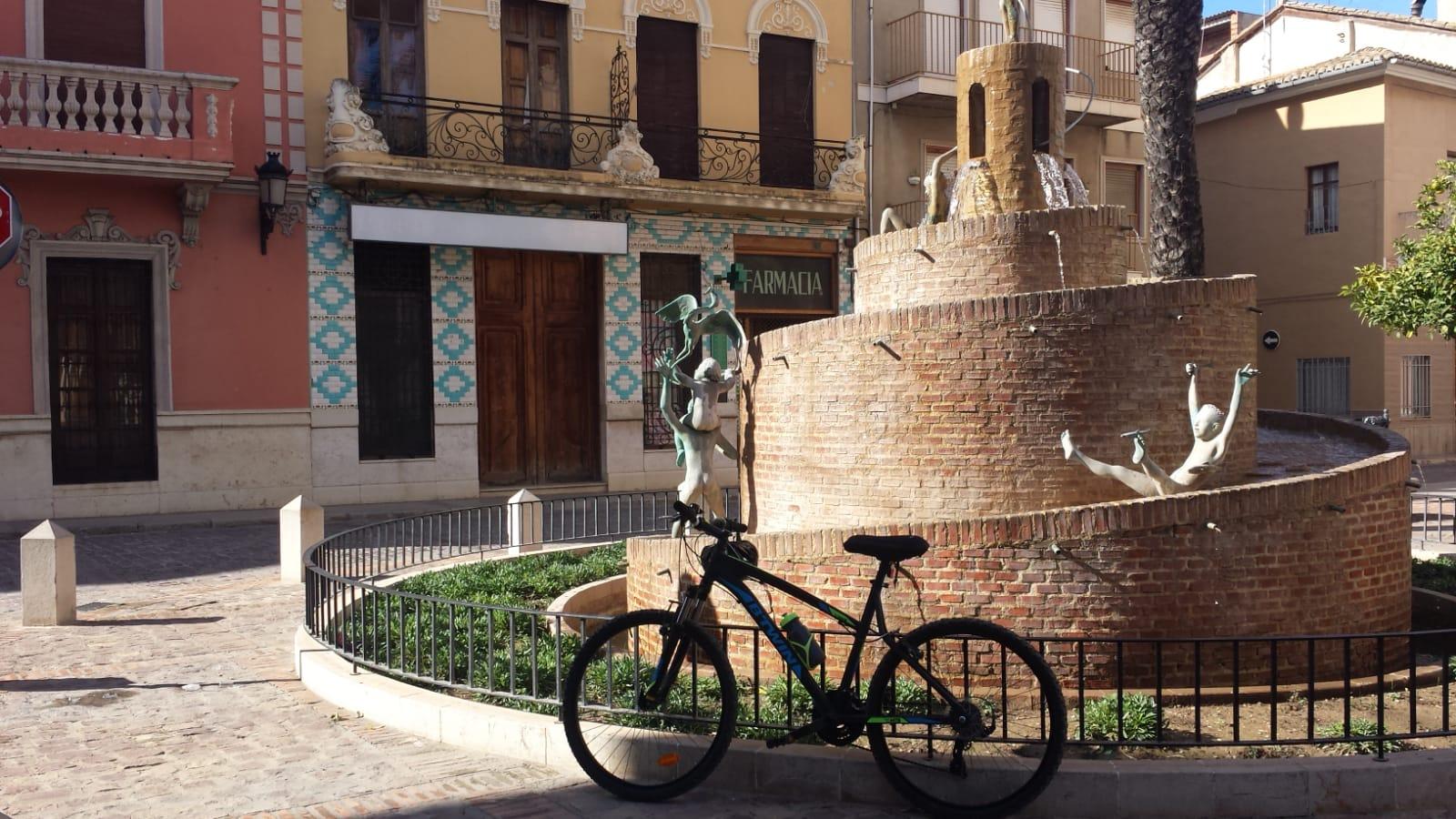 Fountain in la Plaza de la Corte, Albalat de la Ribera, Valencia, Spain
