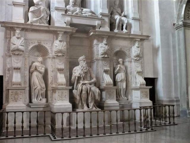 statua del mosè di michelangelo in san pietro in vincoli