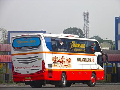 Foto Bus Harapan Jaya O500RS 1836