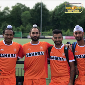Indian Hockey Player Manpreet Singh with his friends