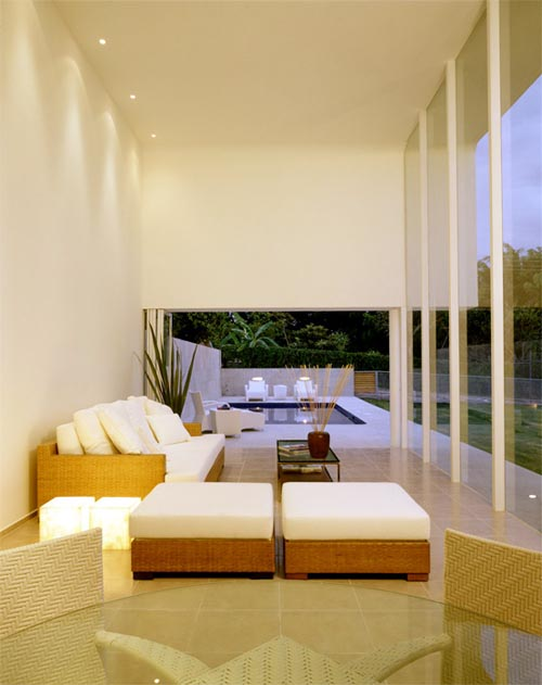 Minimalist Mexican House Architecture