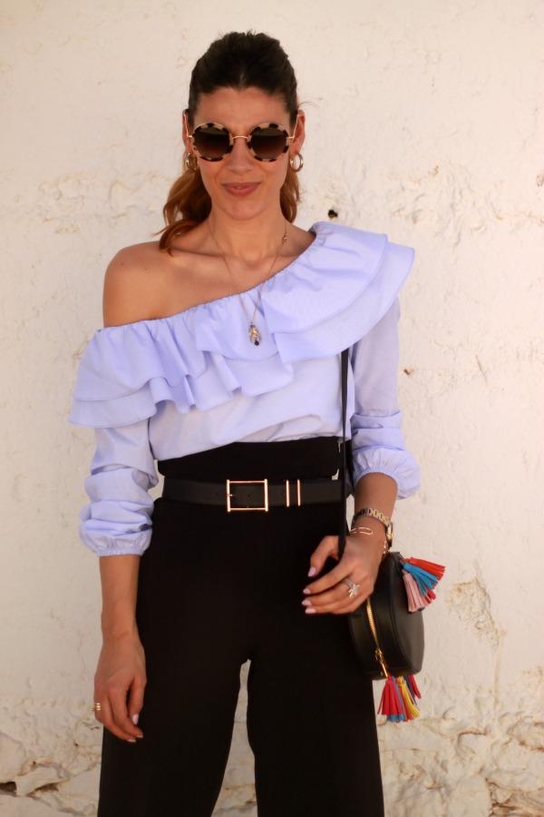 blusa volante, pantalon culotte,