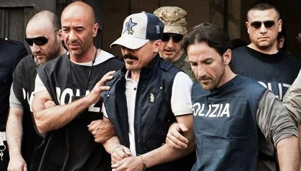 La Mafia Italiana está regalando comida y ayudando a los necesitados por la pandemia