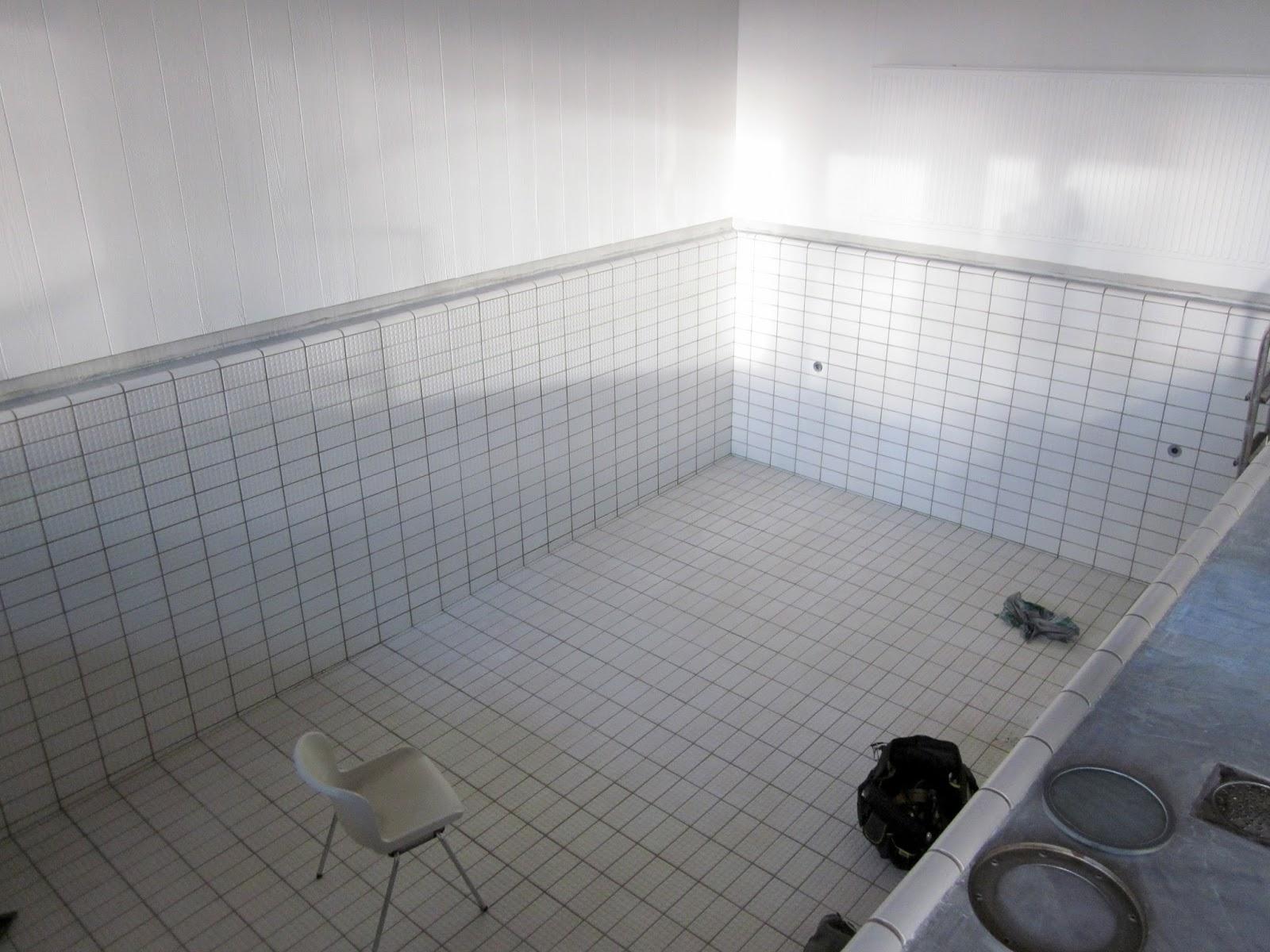 Kylpyhuoneen Laattojen Irroitus