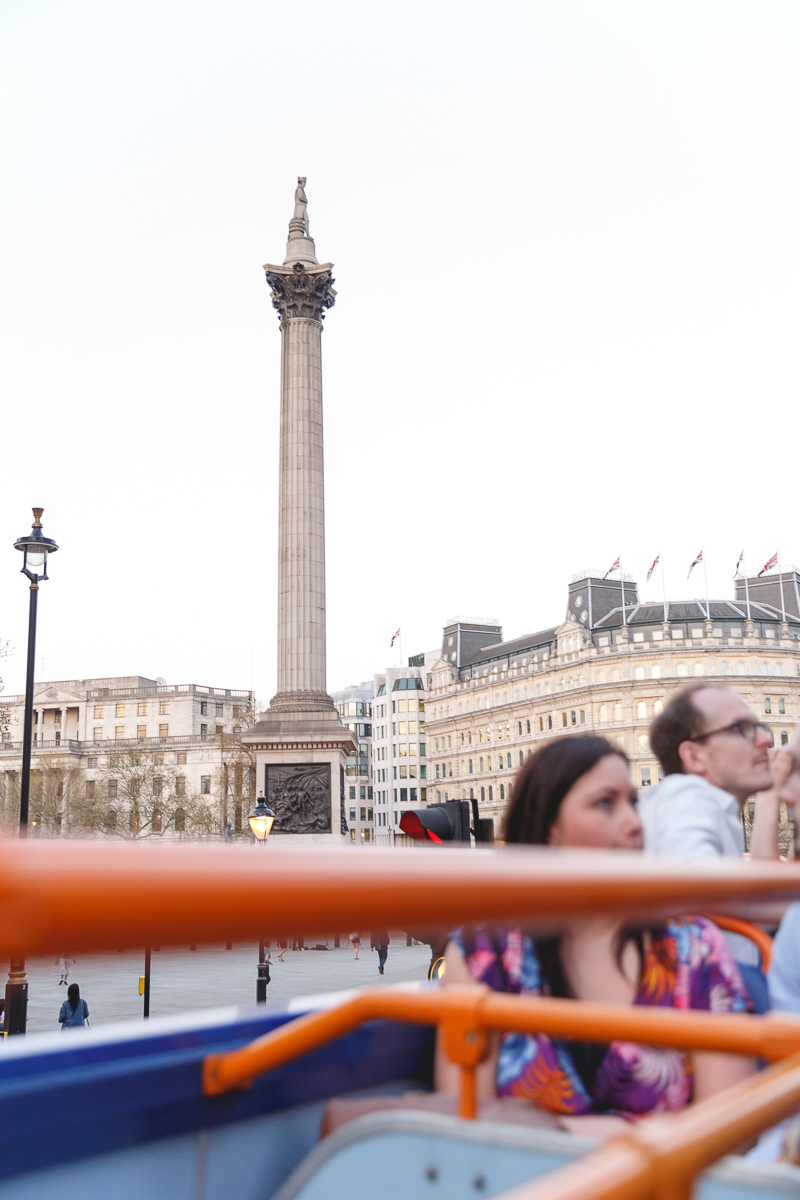 trafalgar square sightseeing tour in london