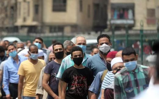 تجربة اللقاح الصيني ضد كورونا على آلاف المتطوعين في مصر