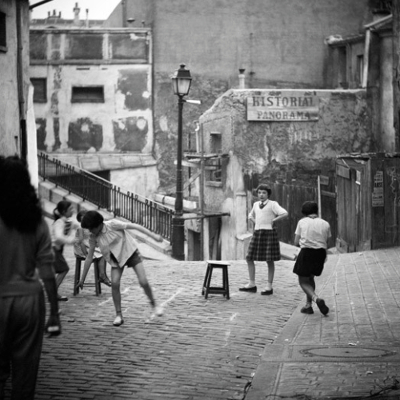 https://kvetchlandia.tumblr.com/post/167933944698/herman-leonard-young-girls-playing-on-the