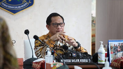 Menteri Dalam Negeri Tito Karnavian 169% 2B% 25281% 2529 Walkot Makassar akan singkirkan semua camat, Tito minta cara biasa