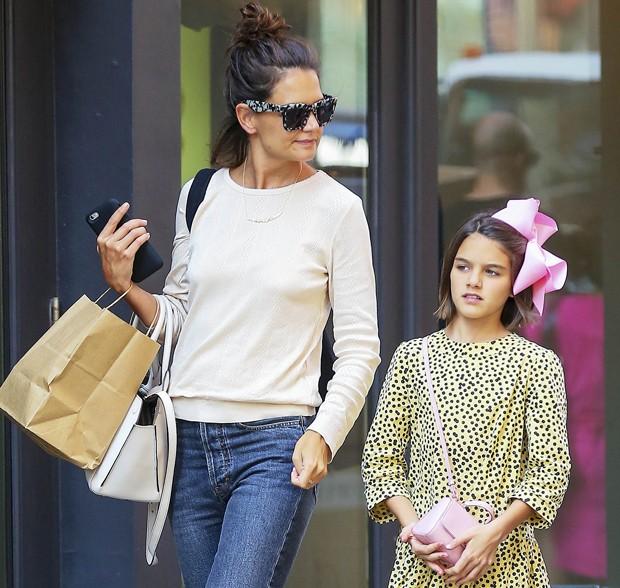 Suri Cruise, filha de Katie Holmes e Tom Cruise