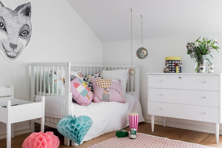 Skandynawska prostota z nutką pasteli i humoru, wystrój wnętrz, wnętrza, urządzanie mieszkania, dom, home decor, dekoracje, aranżacje, styl skandynawski, scandinavian style, biel, white, pokój dziecięcy, kids room
