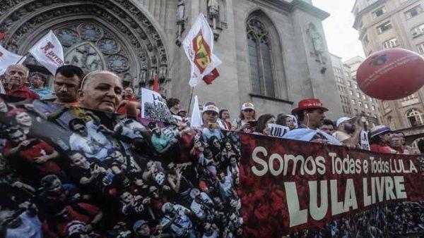 Lula mantiene su candidatura a la Presidencia de Brasil