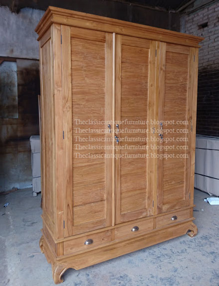 Solid Wood Indonesian Art Classic Antique Furniture Teak And