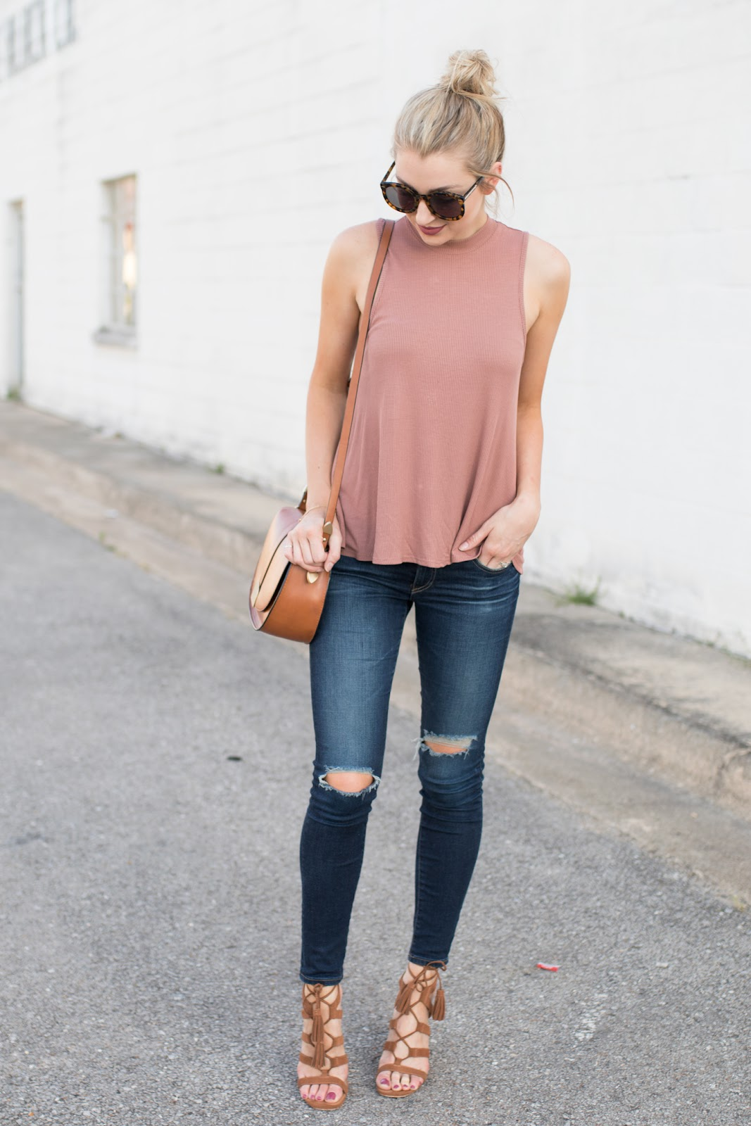 Casual spring-to-summer outfit